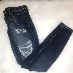 American Eagle Super Low rise Distressed Jegging